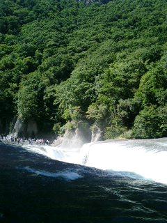 吹割の滝に行きました。